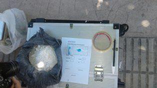 Descartó 293 gramos de cocaína en el barrio La Bolsa y logró escaparse