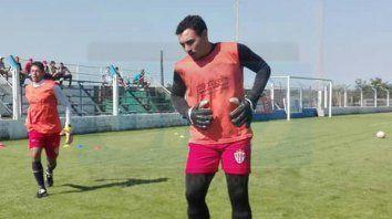 sergio david correa hizo su debut con la camiseta de atletico parana