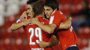 Independiente goleó en Paraguay y quedó a un paso de las semifinales