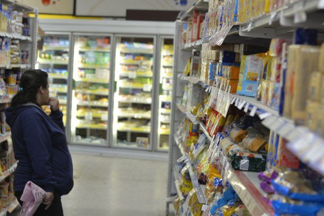 Golpe al bolsillo. El consumo hogareño se verá afectado en las próximas semanas.