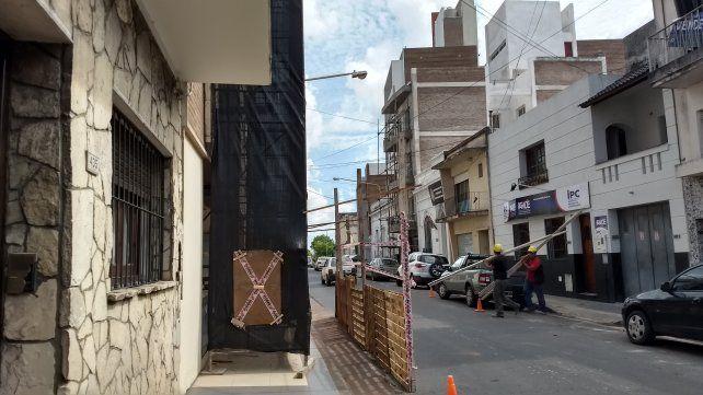 Arreglan la estructura que se desprendió en un edificio del centro paranaense