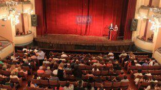 La gala en es en el Teatro 3 de Febrero de Paraná. Foto UNO Diego Arias.