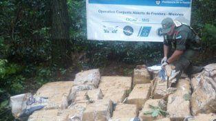 La foto de un operativo antidrogas que se viralizó por la panza de un gendarme