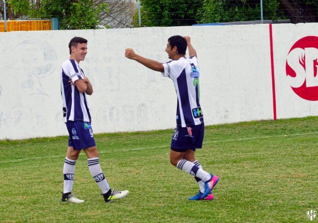 Los juveniles DÁngelo y Rodríguez renovaron la alegría uruguayense.