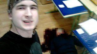 Estudiante mató a cuchilladas a su profesor, lo publicó en una red social