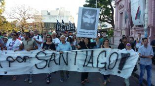 La manifestación se dirige hacia Alameda de la Federación en donde realizará el acto frente a Gendarmería. Foto UNO Mateo Oviedo.