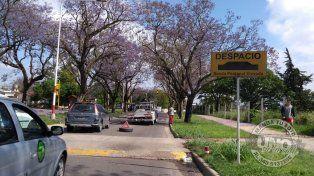 Nuevo vehículo víctima de la senda peatonal de calle Maciá