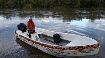 Inspección ocular. Seis embarcaciones recorrieron el río Gualeguay en esta jornada. PER