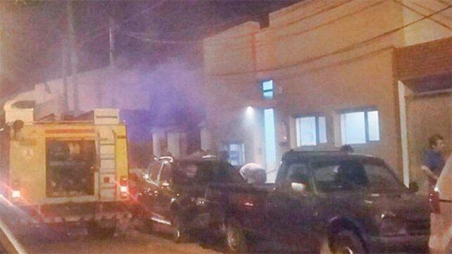 Concordia: Una fuga de gas habría originado incendio en Colegio de Psicólogos