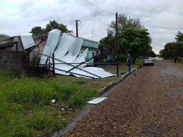 Sorprenden los videos del tornado que pasó por Salto, Uruguay
