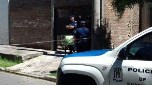 Pocos datos. Los vecinos no vieron ni escucharon nada anormal dentro de la casa. Foto: Gentiliza Radio La Voz.