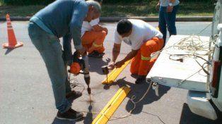 Se colocan reductores de velocidad en las calles de Paraná