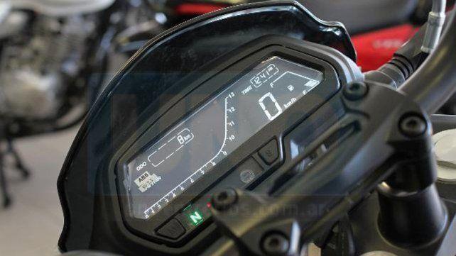 De la mano de Niemiz Motos, la nueva Dominar D400 ya está en Paraná