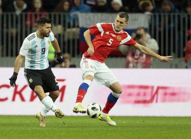 El Kun le dio la victoria a Argentina ante Rusia