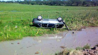 Tres lesionados tras un vuelco en la Autovía 14