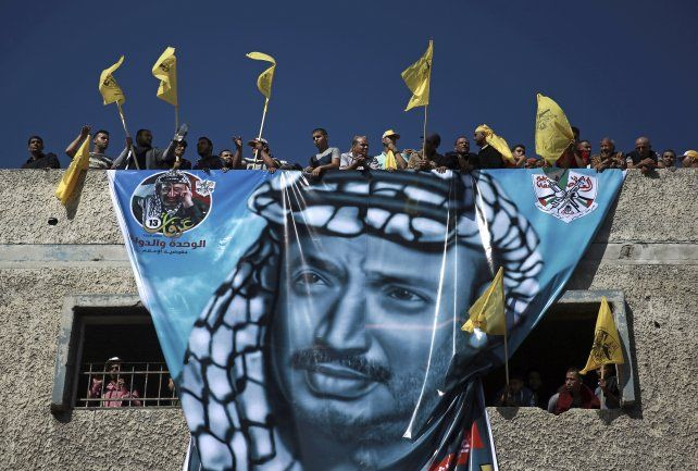 Miles de palestinos recordaron en Gaza a Yasser Arafat en el 10° aniversario de su muerte