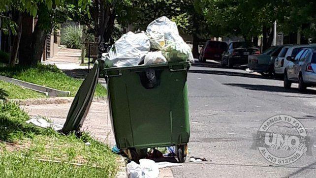 Contenedores rebosantes de basura