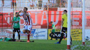 Sana costumbre. Nicolás Ledesma se acostumbró a estar presente en la red. El domingo anotó su quinto tanto en el certamen.