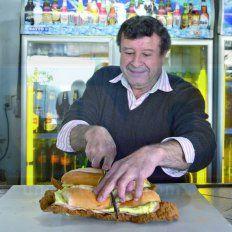 Clásico. Geniol es un tipo sencillo, culto, fanático de la política, la música, el río Gualeguay y el fútbol.