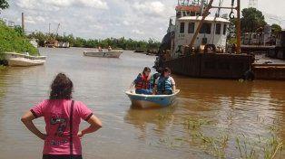 El esfuerzo tuvo su premio: Alumnos botaron la embarcación que construyeron
