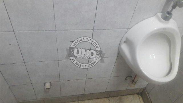 Indignante estados de los baños del Hospital San Martín