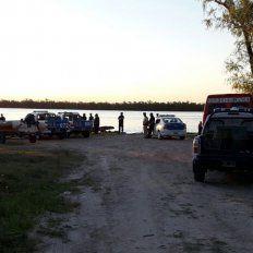 ¿Posible suicidio?. La Policía y Prefectura rastrillan la costa y el río Paraná. Foto: OVM Digital
