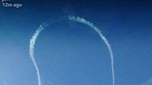 Polémica en EE.UU.: un avión de la Armada dibujó un pene gigante en el cielo