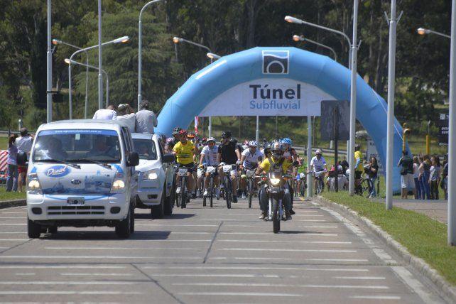 Una fiesta sobre ruedas. La actividad tuvo lugar por la mañana de ayer y contó con un buen número de bicicletas que se unión a la fiesta en su sexta edición.