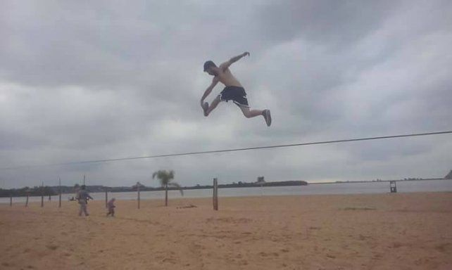 Imagen tomada con un celular en la playa del Thompson donde se realizará el segundo campeonato.