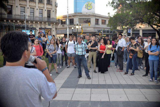 El micrófono circuló entre los participantes del debate. FotoUNOMateo Oviedo