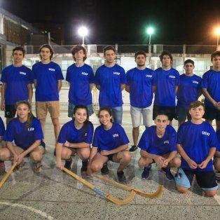Todos juntos. Ayer los chicos se juntaron para comenzar a entrenar con miras a la competencia nacional que arrancará el miércoles en la región de Cuyo.