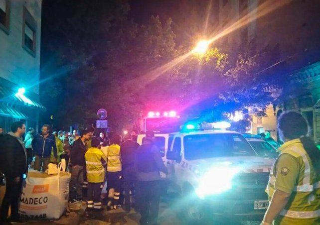 Un muerto y más de 50 heridos al incendiarse un neuropsiquiátrico de La Plata