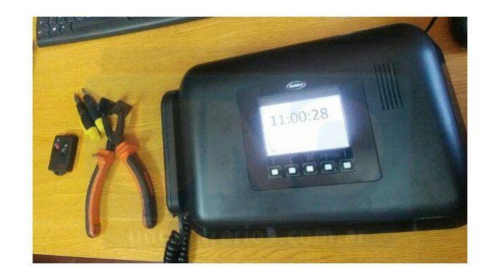 El dispositivo. La tobillera y la unidad de control estarán en la casa del imputado. Foto: Javier Aragón