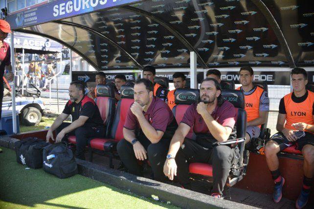 ¿Fue el último partido de Pumpido en el banco de Patronato?. Foto UNO Mateo Oviedo.