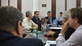 Diálogo fructífero. Los dos magistrados dialogaron sobre el funcionamiento de los dos juzgados. Foto: Mateo Oviedo.
