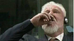 VIDEO: General acusado de crímenes de guerra se envenenó tras el veredicto en La Haya
