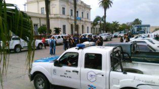 Operativo. La policía organizó los allanamientos en distintos barrios de Paraná.