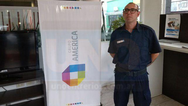 Bombero y buzo. Emiliano Silic forma parte del cuerpo de Bomberos Voluntarios de Paraná. Foto: Javier Aragón