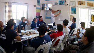 Bomberos Voluntarios tienen el primer buzo táctico capacitado para rescates