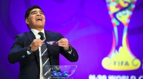 Diego Maradona no fue al último ensayo del sorteo por problemas de salud