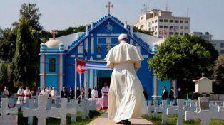 El Papa pidió a jóvenes no estar todo el día al teléfono, ignorando el mundo
