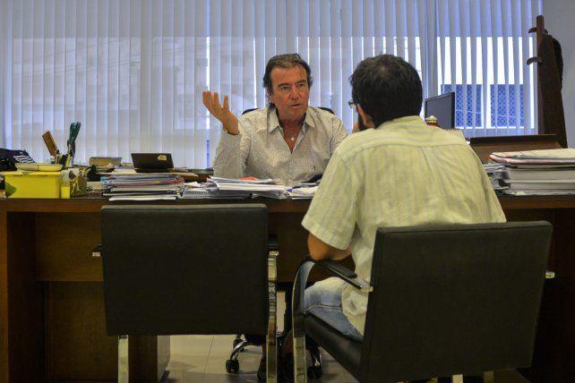 Explicaciones. Foto UNO Mateo Oviedo.
