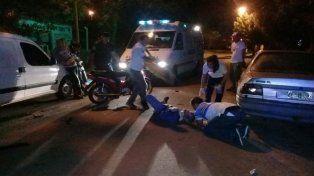 Un joven motociclista conducía ebrio y se causó graves heridas
