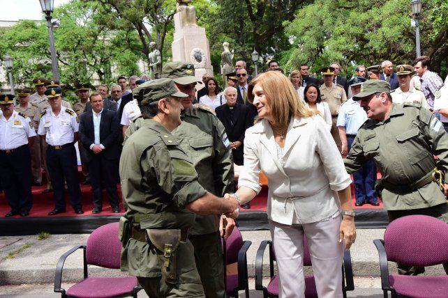 Saludo protocolar. Foto prensa gobernación de Entre Ríos.