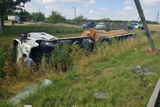 Un camionero concordiense falleció al volcar en el conurbano bonaerense