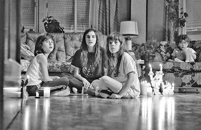 Familia. Una adolescente comienza a sufrir extrañas situaciones luego de usar la tabla Ouija.