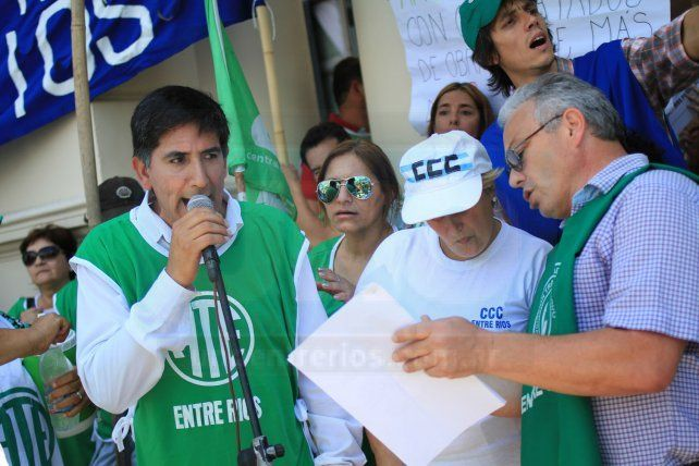ATE y la Multisectorial marcharon y pidieron frenar el brutal ajuste de Macri