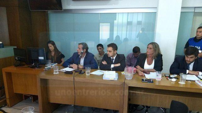 Aliviados. Los dos acusados lloraron al escuchar el alegato de la fiscal. Foto: Javier Aragón.