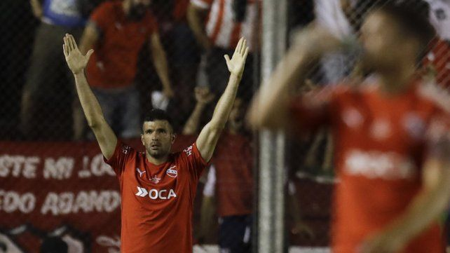 En Avellaneda. El estadio Libertadores de América se mostró colmado y su gente se ilusiona con levantar el cetro al igual que en 2010.