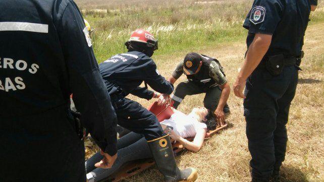 Luego de un impresionante vuelco en Médanos la conductora terminó internada